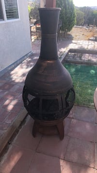 Chimenea  w/ firewood caddy Acton, 93510