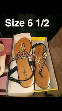 pair of brown-and-black sandals Calexico, 92231