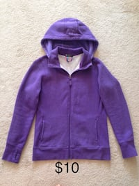 Ladies size small hooded zip up sweater Mississauga, L5W