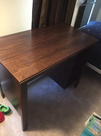rectangular brown wooden dining table Centreville, 20121