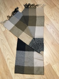 Scarf, warm and soft, new condition  Toronto, M9W 1X4