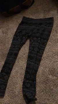 black and gray floral pants Yelm, 98597
