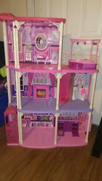 Barbie doll house with tons of accessories.. Denham Springs, 70726