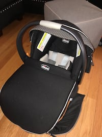 Chicco Keyfit Car seat + 2 bases