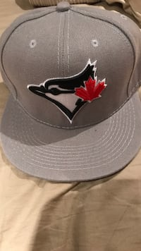 gray and black New Era 9Fifty snapback Burlington, L7M