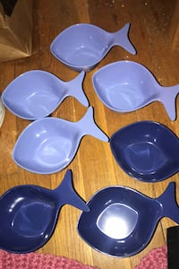 LAST CHANCE!! NEW NEVER USED!! Plastic goldfish containers set of 7 Randallstown, 21133