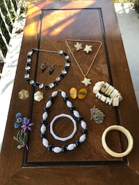 Vintage costume jewelry lot  Holiday, 34690