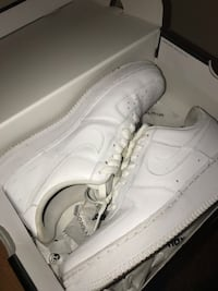 Air Force ones  Chicago, 60827
