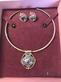 Necklace & earring set - never worn Spring, 77373