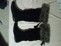 Black and gray fut boots Vancouver, V5S 3K8