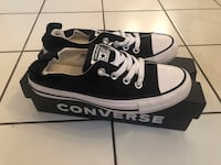 Womens converse size 7 Vancouver