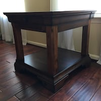 2 End tables, solid wood Fairfax, 22033