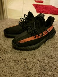 pair of black Adidas Yeezy Boost 350 v2 Humble, 77338