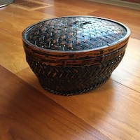 round brown and black ceramic bowl