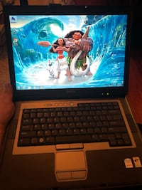 Dell Latitude D830 Intel Centrino, 2 Gb RAM, 120 GB Hard Drive, Wireless Wifi, DVDRW, Windows 7 , battery doesn't hold charge but works plugged  Centreville, 20121