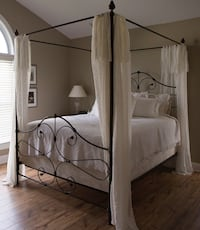 Iron canopy bed Morrisville, 27560