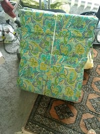 2 out door chairs cushions excellent condition Alexandria, 22306