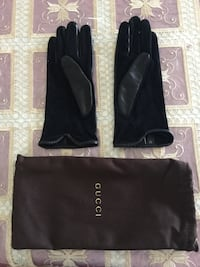 Authentic Gucci leather gloves New Westminster, V3M 4J4