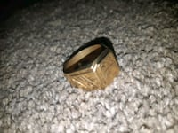 Gold Ring (Stamped 18K) Size 11 Calgary, T3C 2E2
