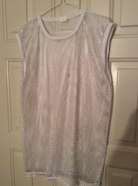 Brand New Fashion Sleeveless T-Shirt In Package - size M Austin, 78753