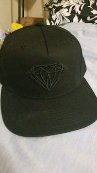 BRAND NEW snapback DIAMOND