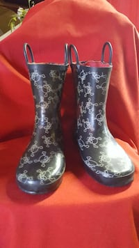 size 4 child's boots w/skulls/great for Halloween Hagerstown, 21740