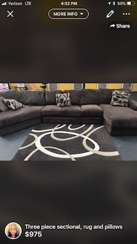 Three piece sectional with rug Florissant, 63031