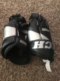 I tech hockey gloves  Fort Saskatchewan