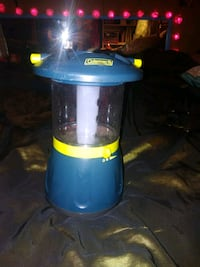 Coleman battery powered and solar lantern Bunkie, 71322