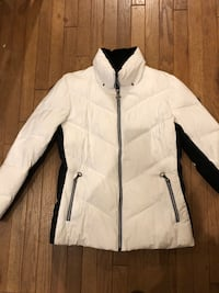 Women's Coat; Size Large Germantown, 20874