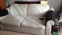 white padded loveseat Ajax, L1S 5A3