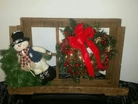 Christmas wreath and snowman decors