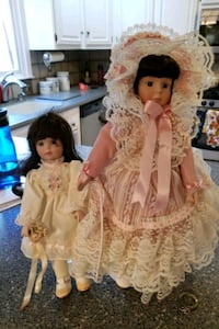 Figurine porcelain dolls  2 for $30 Manalapan Township, 07726