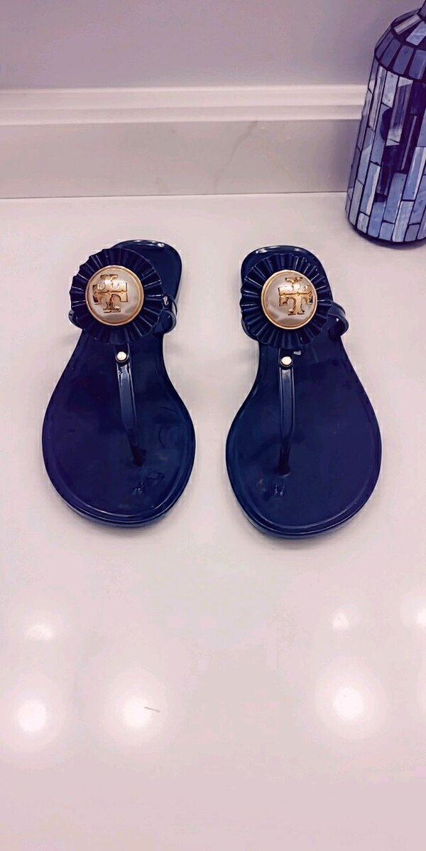 Size 5 Tory burch sandals 3