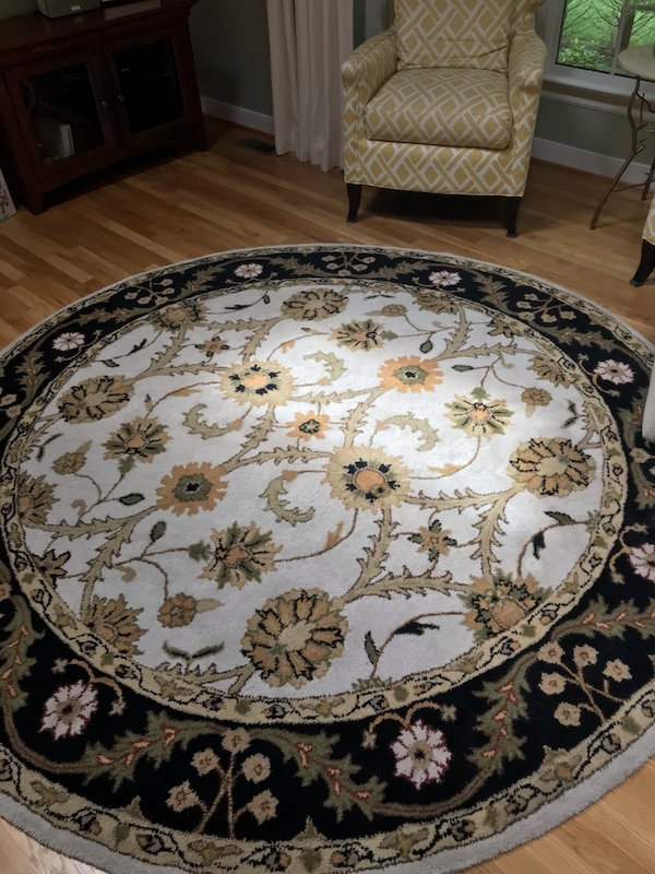 Used Round White And Brown Floral Area Rug For Sale In Grapevine Letgo