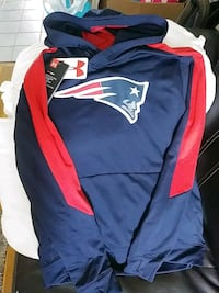 Patriots youth large hoodie (14-16size) Revere, 02151