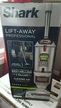 Shark Lift Away Vacuum Cleaner new in box Westville, 46391