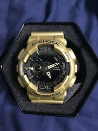 Gold and black GShock 110 obo Paris, 40361