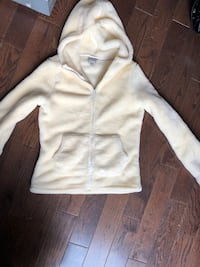 white button-up hoodie Newmarket, L3Y 1B2