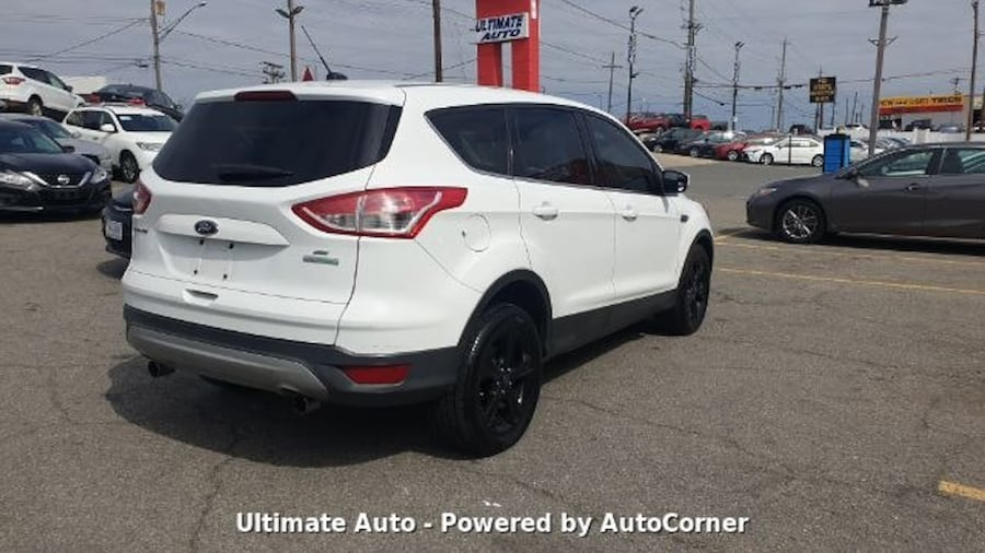 Ford Escape 2013 43aad10f-cb2f-4674-80d2-4b9c4d2473bf
