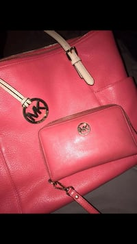 AUTHENTIC Michael Kors Purse and wristlet/wallet