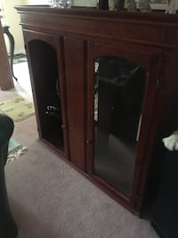 Solid wood cabinet Bolton, L7E 5Y8