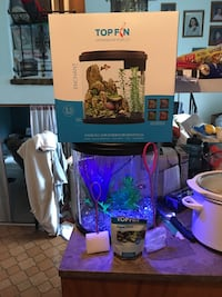 3.5 Gallon Top Fin LED changing Fish tank.