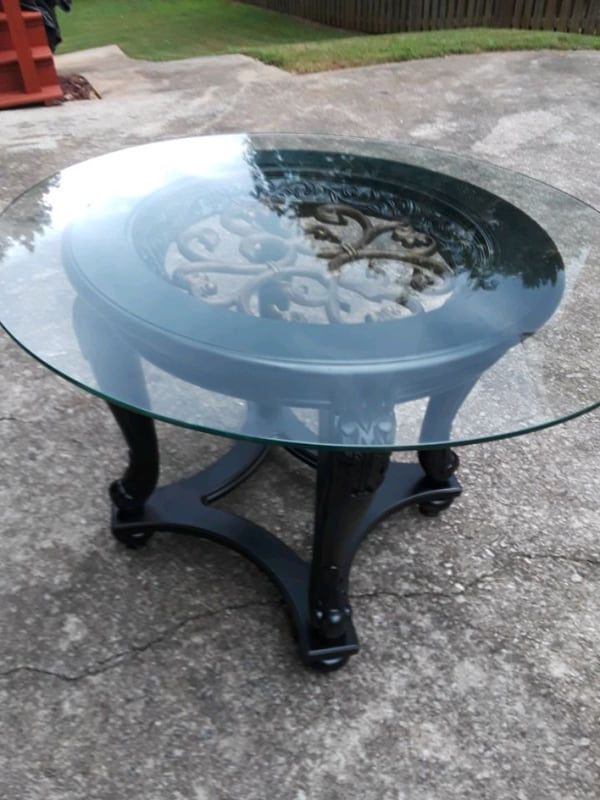 Round Glass top End Table 92bff6c7-a526-41bf-8435-1d2408a7d355