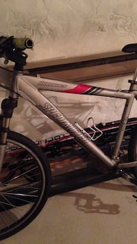 gray Specialized hard tail mountain bicycle Montréal, H2T