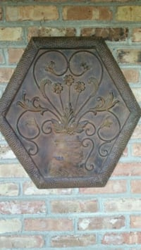 Metal Wall art in good condition