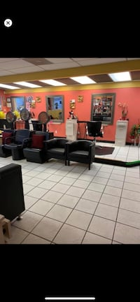 Chair for rent in hair salon good location in park vill md 21234
