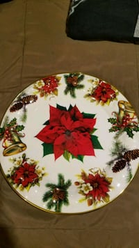 white, green, and red floral ceramic plate Culpeper, 22701