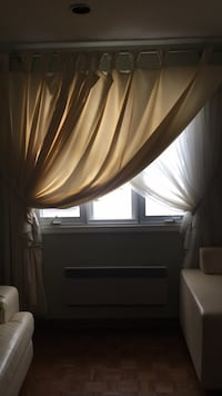 Rideaux-Curtains (2) Premium quality. A1condition Laval, H7M 3R3
