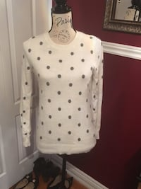 Ladies polka dot sweater size small Oakville, L6H 1Y4